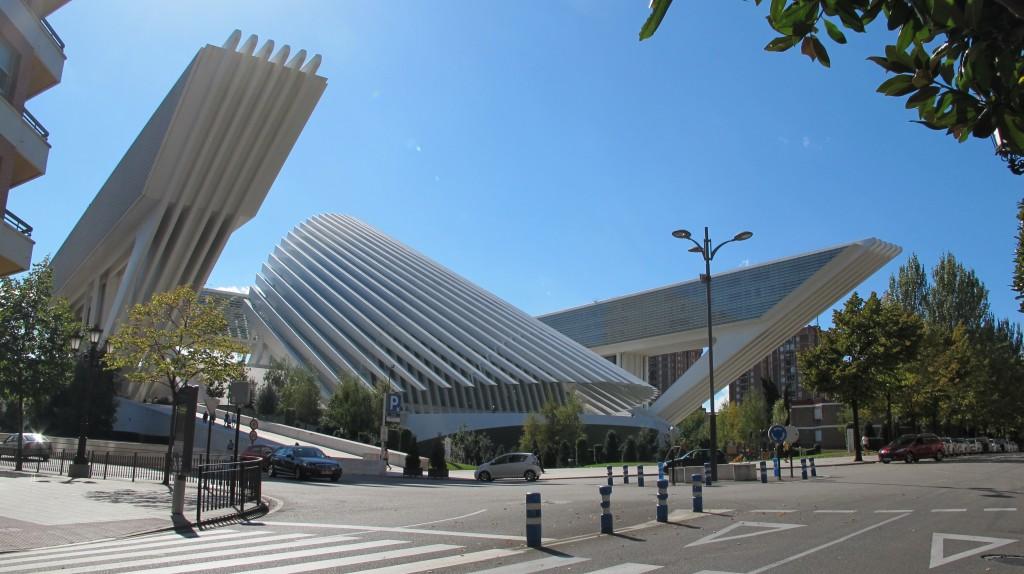 Vista exterior del Palacio de Exposiciones y Congresos Ciudad de Oviedo