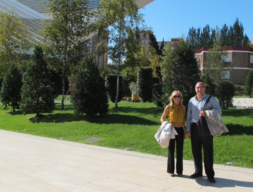 Dr. Juan Miguel de Juan Fernández y Dra. Clara Beltrán de Yturriaga